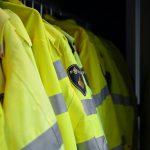 Bluzy odblaskowe BHP - niezbędny element ubioru pracownika